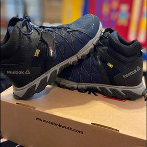 Reebok Trailgrip work boots